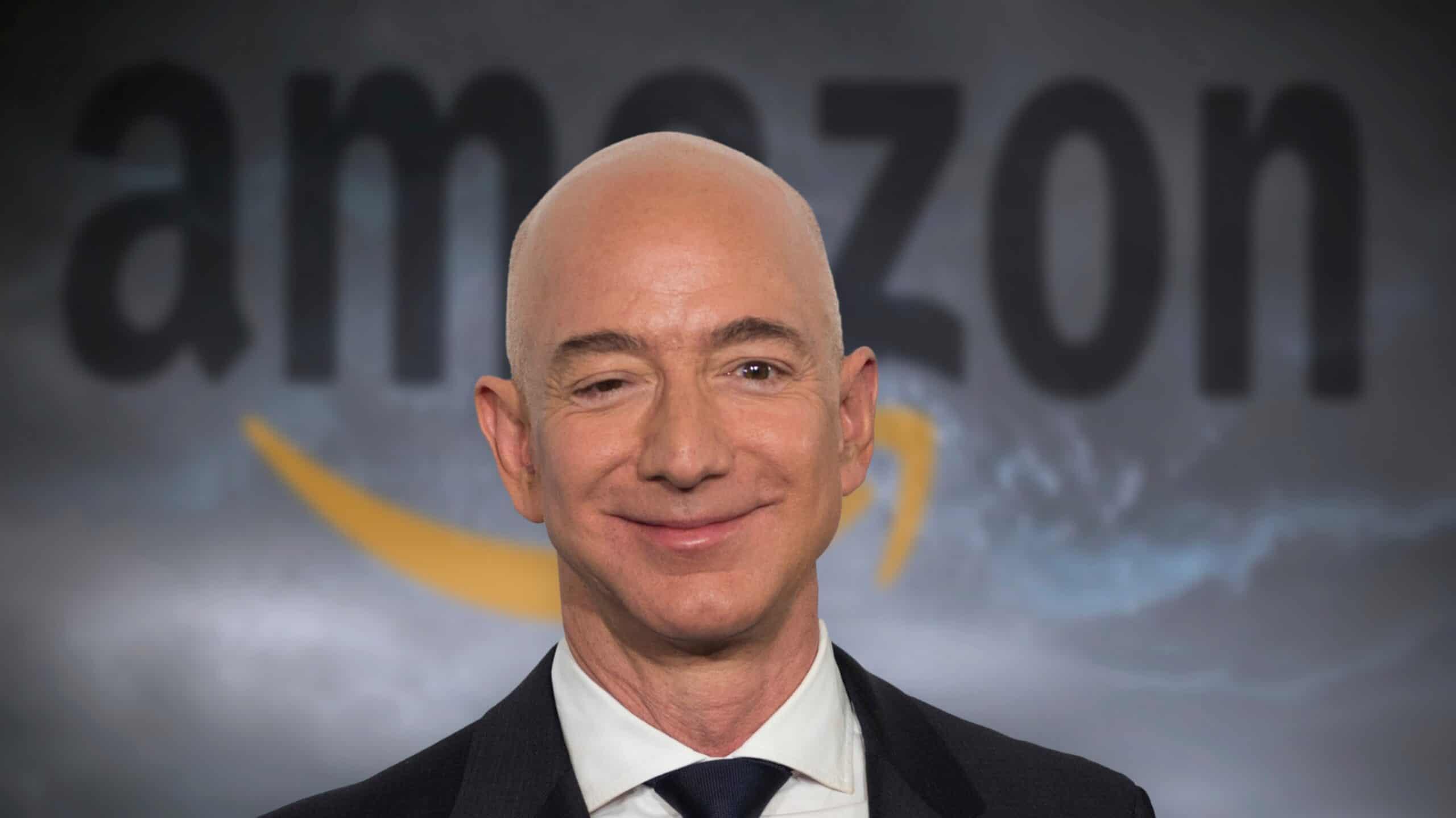 Amazon創業者ジェフ・ベゾス 、自身を時限爆弾に例えられた過去をInstagram回想する。